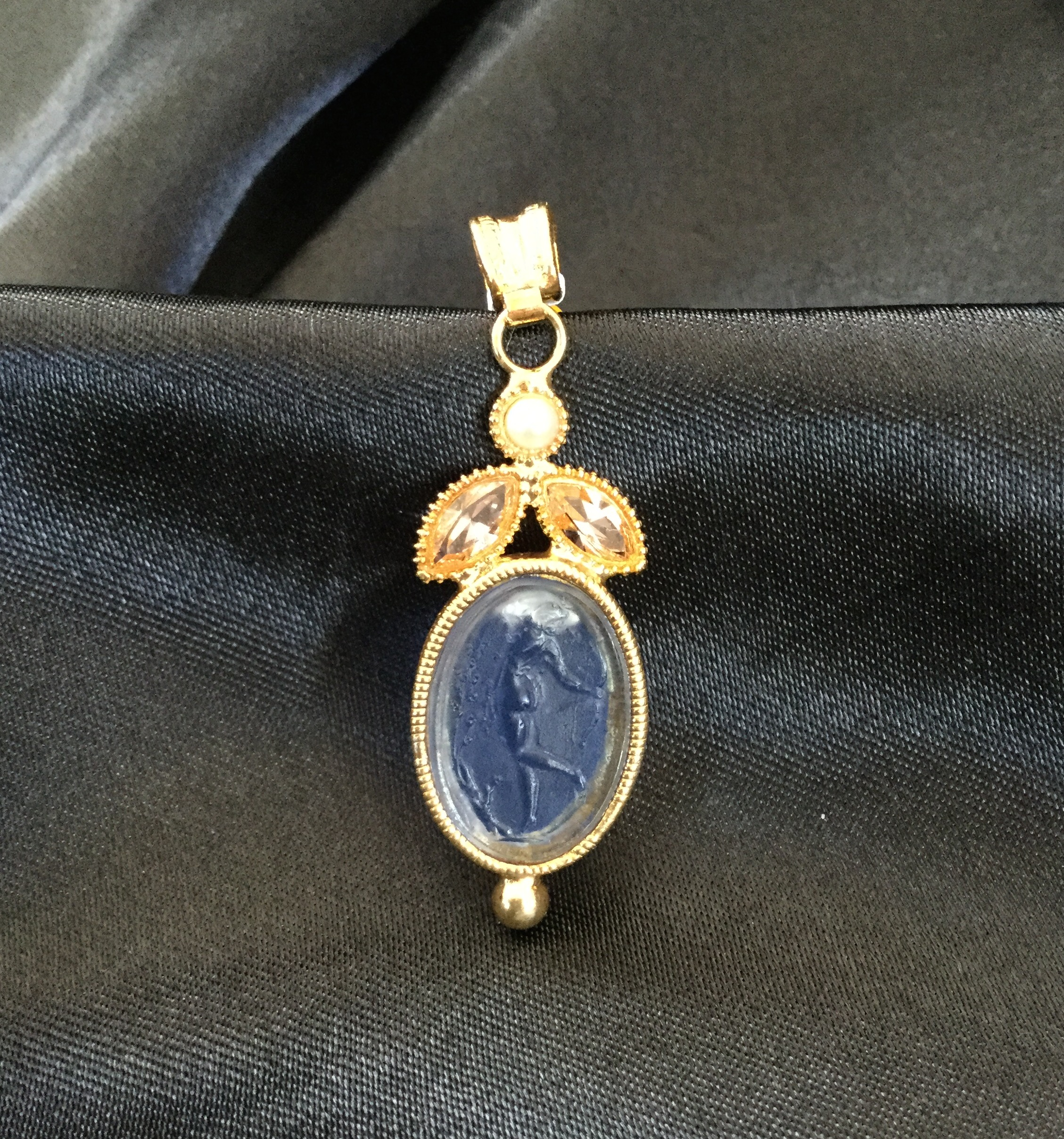 front chain loop new and necklace sapphire exstasia the blue intaglio closure york pendant products silver public